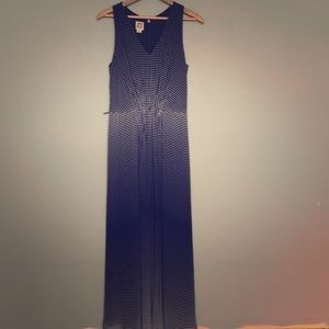 Beautiful Ann Klein maxi dress
